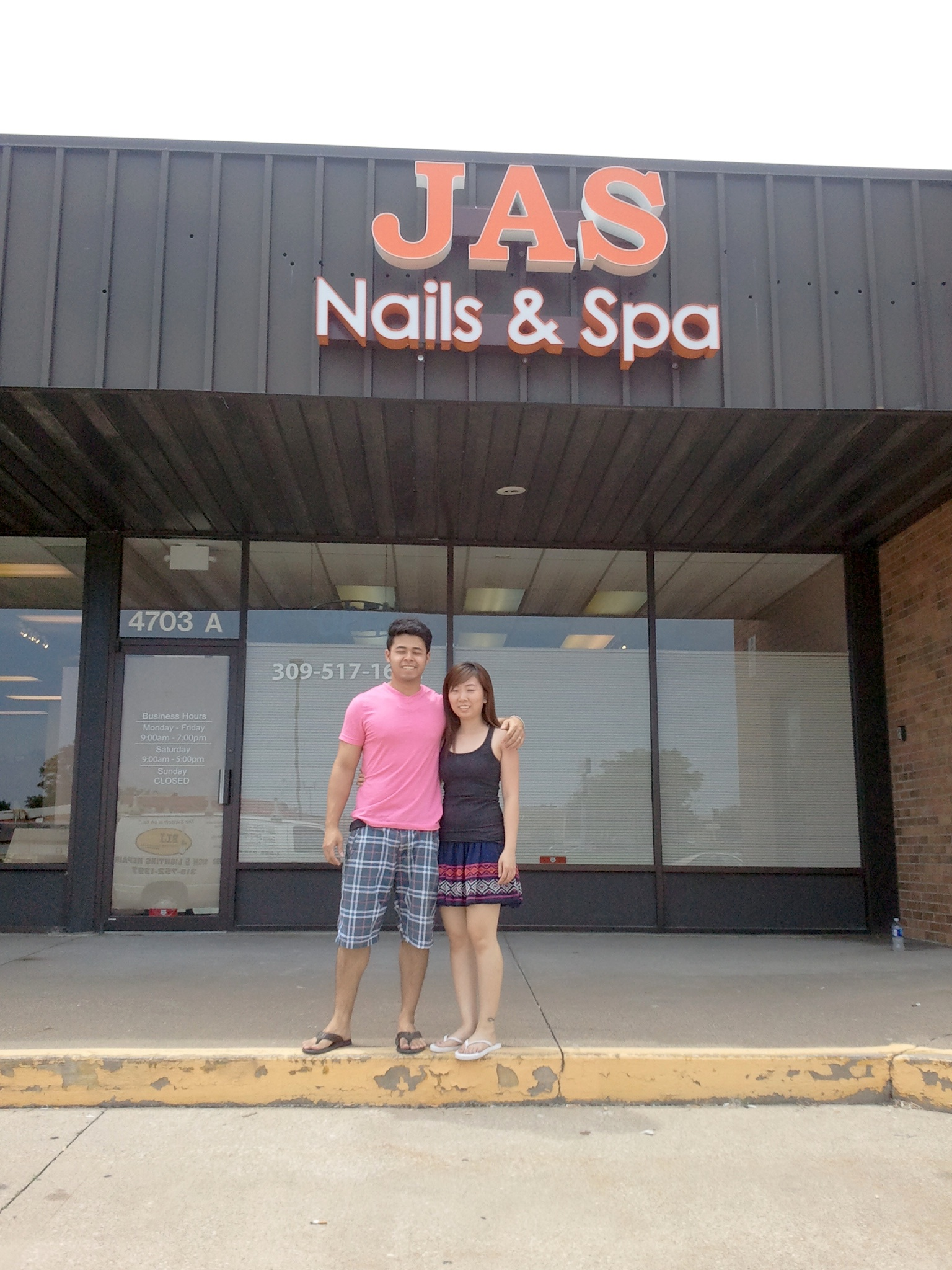 Sign news blog bettendorf ia custom business signs for Acrylic nail salon davenport ia