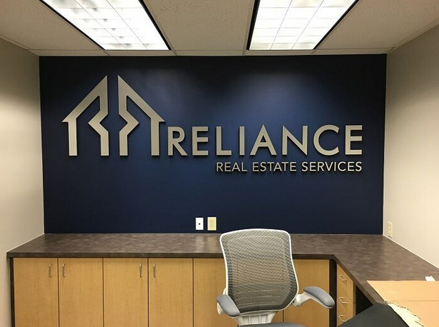 Lobby Signs For Reliance Real Estate S Second Office In