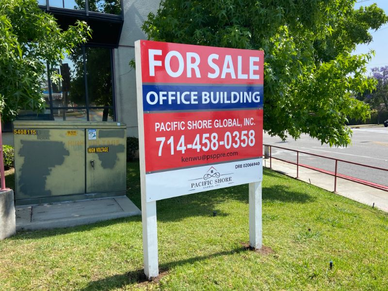"Commercial Property ""For Lease"" Signs & Graphics Close Vacancies in Anaheim CA"