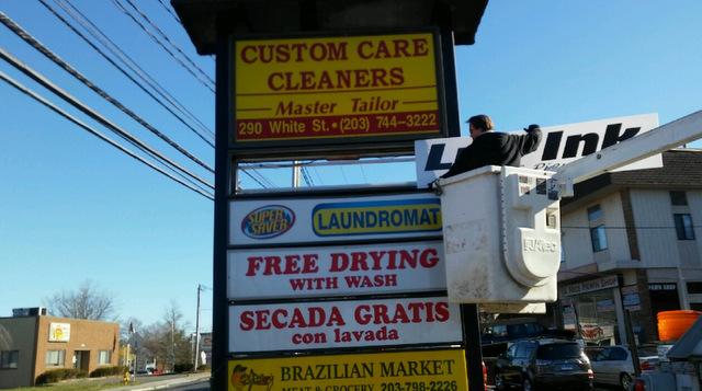Pylon Signs in Danbury CT