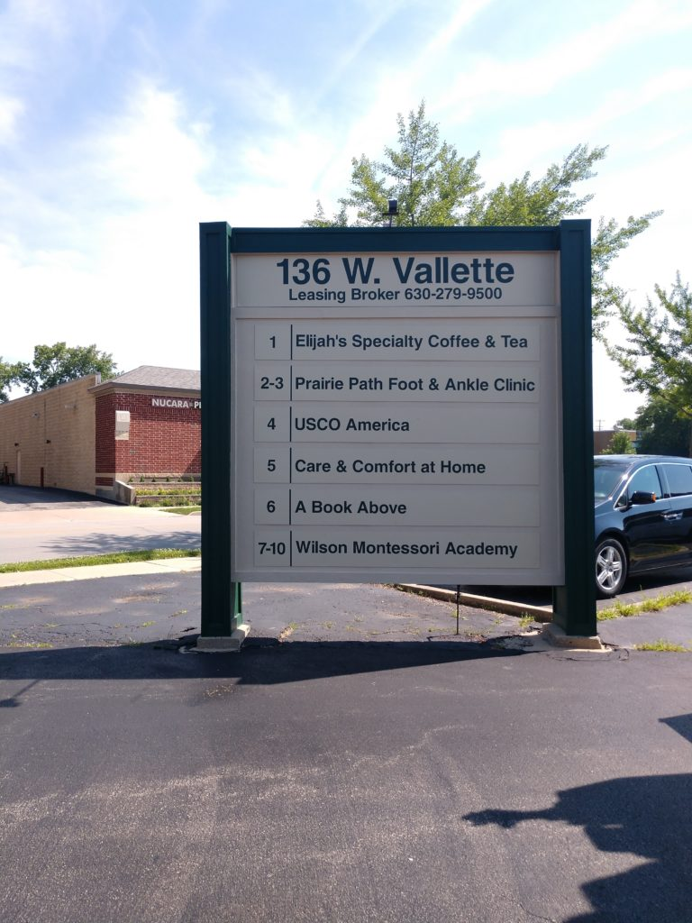 How to Refurbish Your Shopping Center Sign in Elmhurst IL
