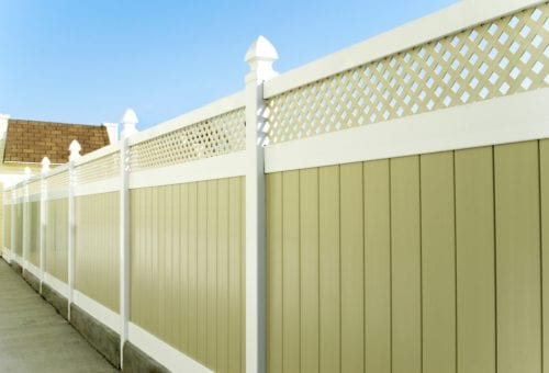 pressure wash vinyl fence