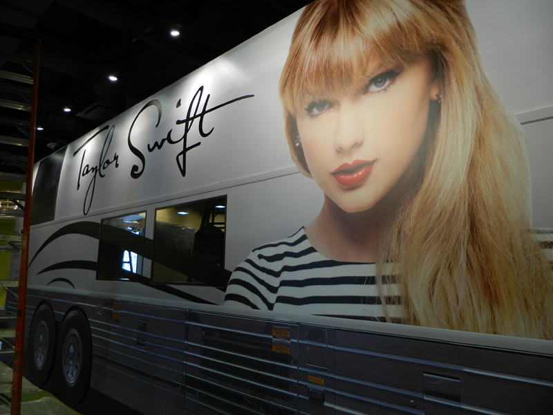 Taylor Swift S Tour Bus For The Country Music Hall Of Fame