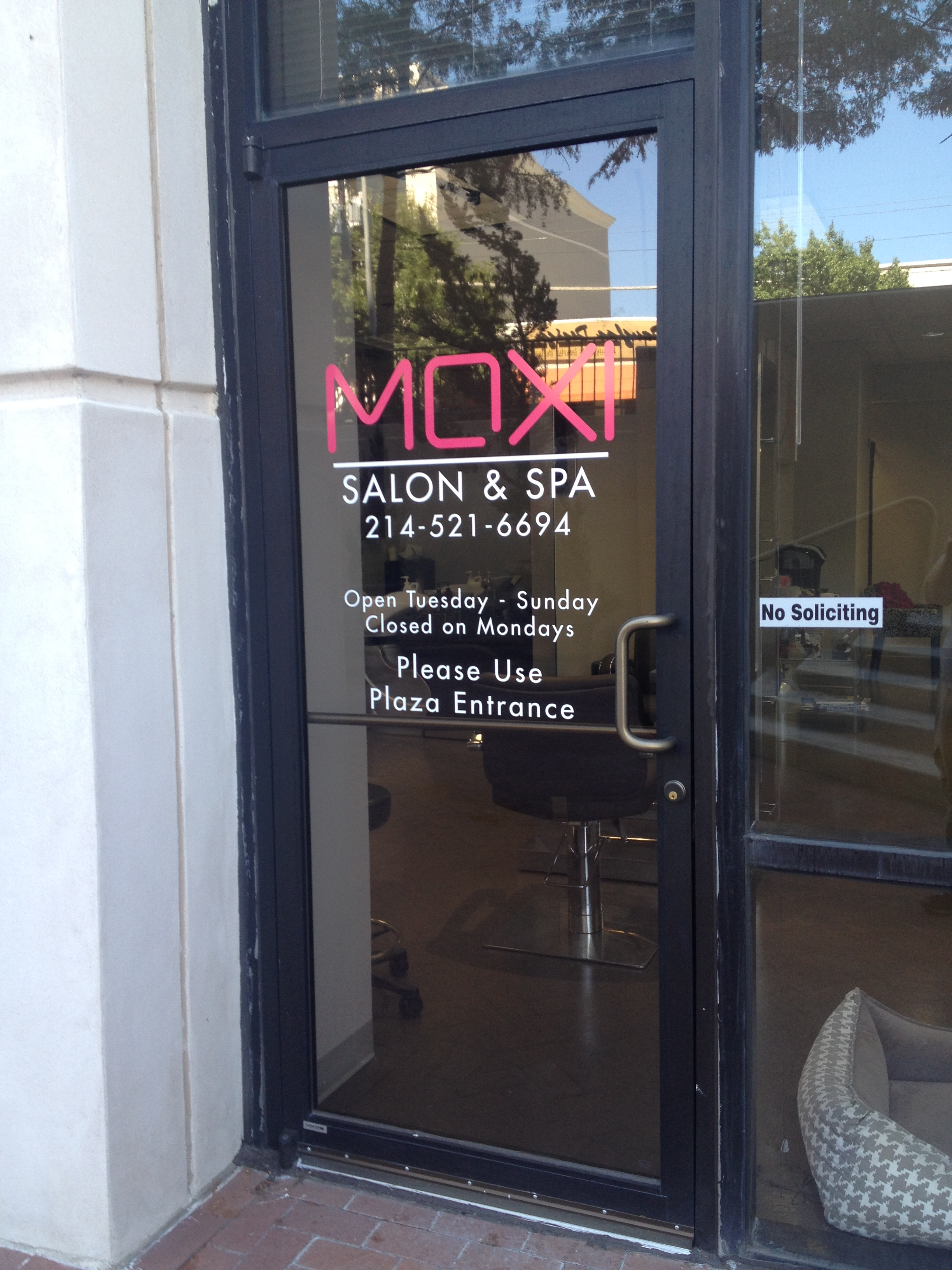 & Custom Door Decals to Gain Awareness in Dallas TX for Moxi Salon u0026 Spa