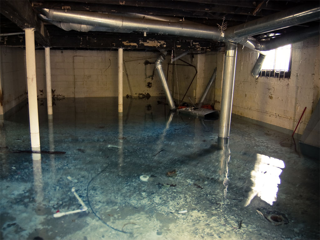 flooded basement by sektoplazm flickr