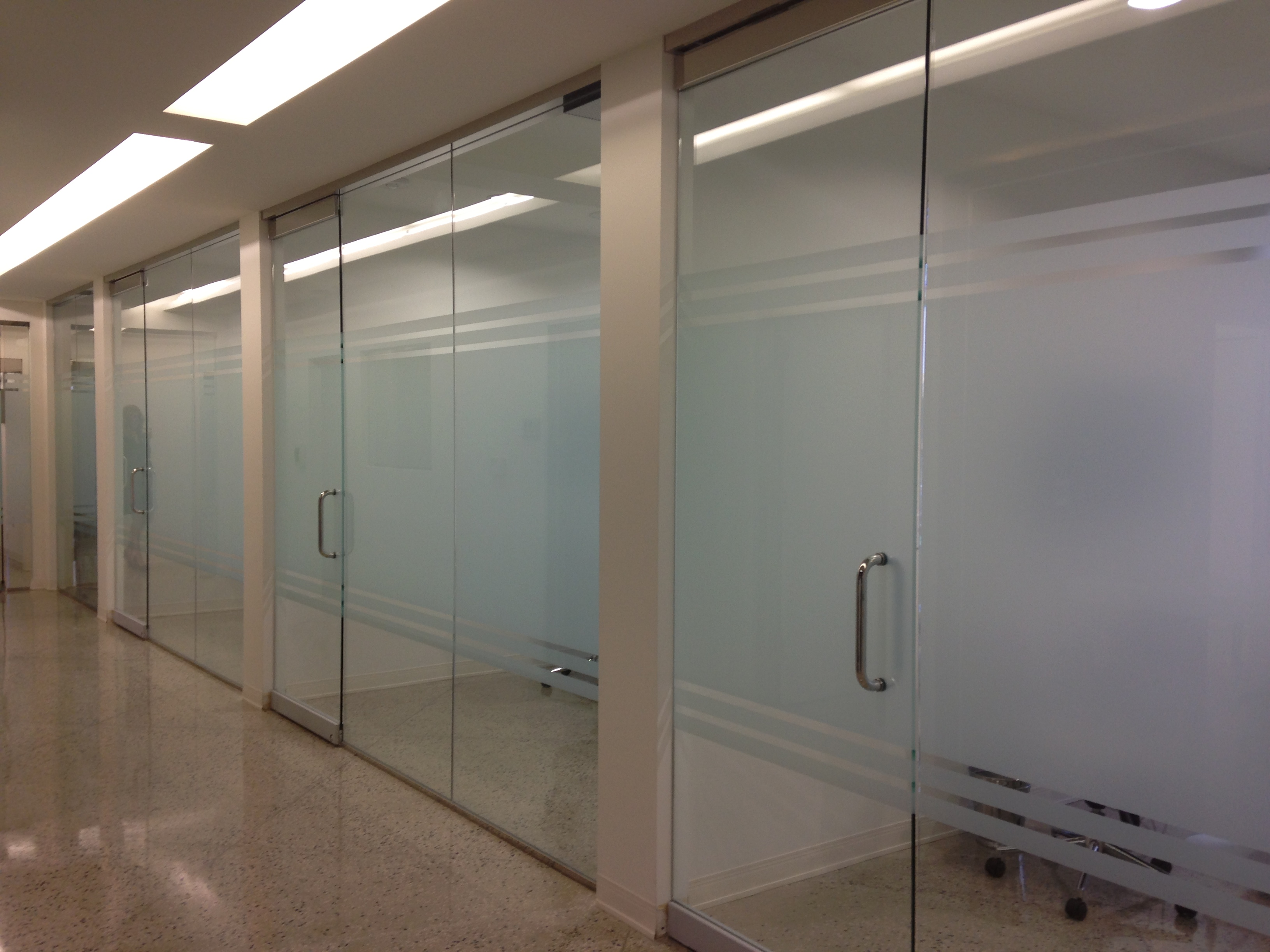 Architectural Glass Solutions Design At Dallas Dental Clinic