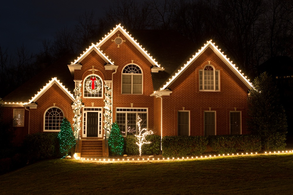 we install christmas lights in tennessee nashville brentwood franklin